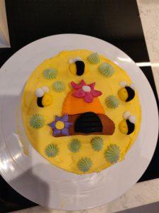 Bee cake top